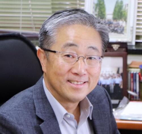 Dong-Woo Cho